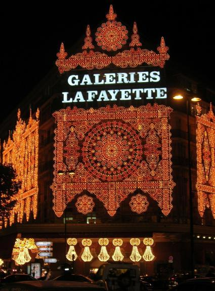 Christmas shopping and festive lights in Paris