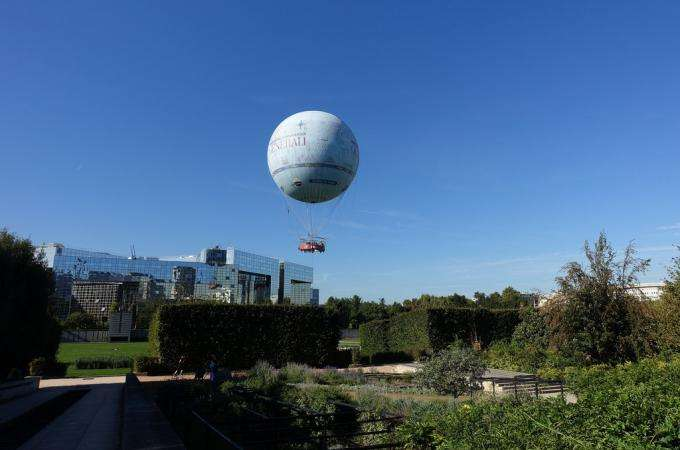 A balloon ride over Paris for two at Parc André Citroën