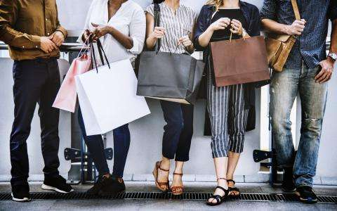 5 good reasons to book our Shopping offer
