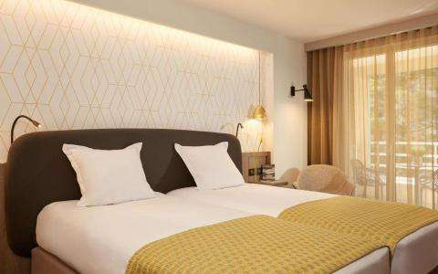 Welcome to the new website of the Hotel Auteuil Tour Eiffel
