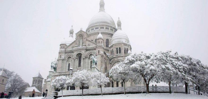 Christmas at Butte Montmartre