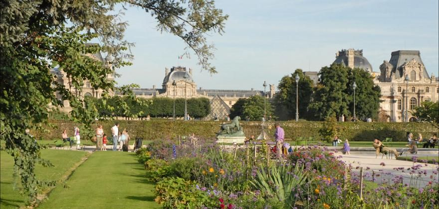 Gardens and flowers of the Hotel de Lille and the Tuileries