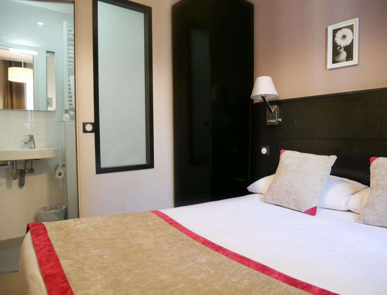 Hotel Bonsejour - Double Room
