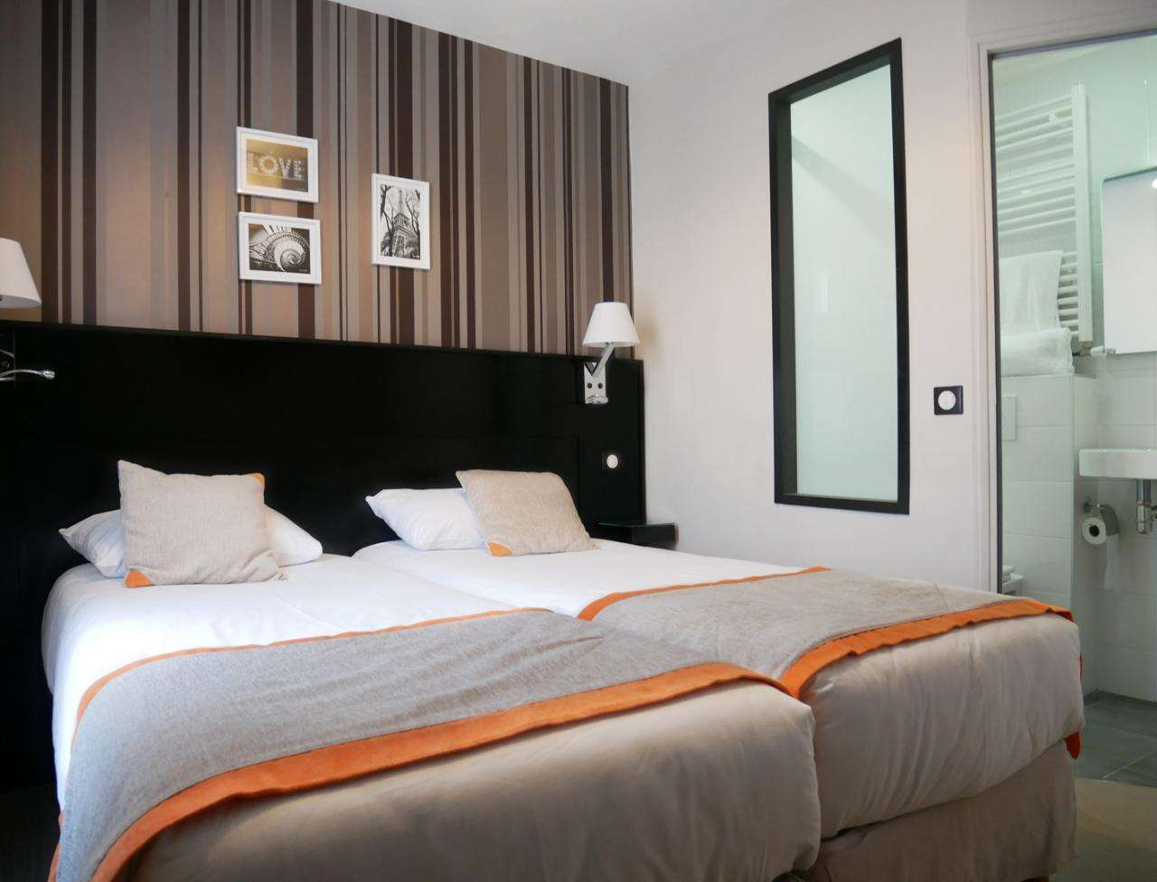 Hotel Bonsejour - Twin Room