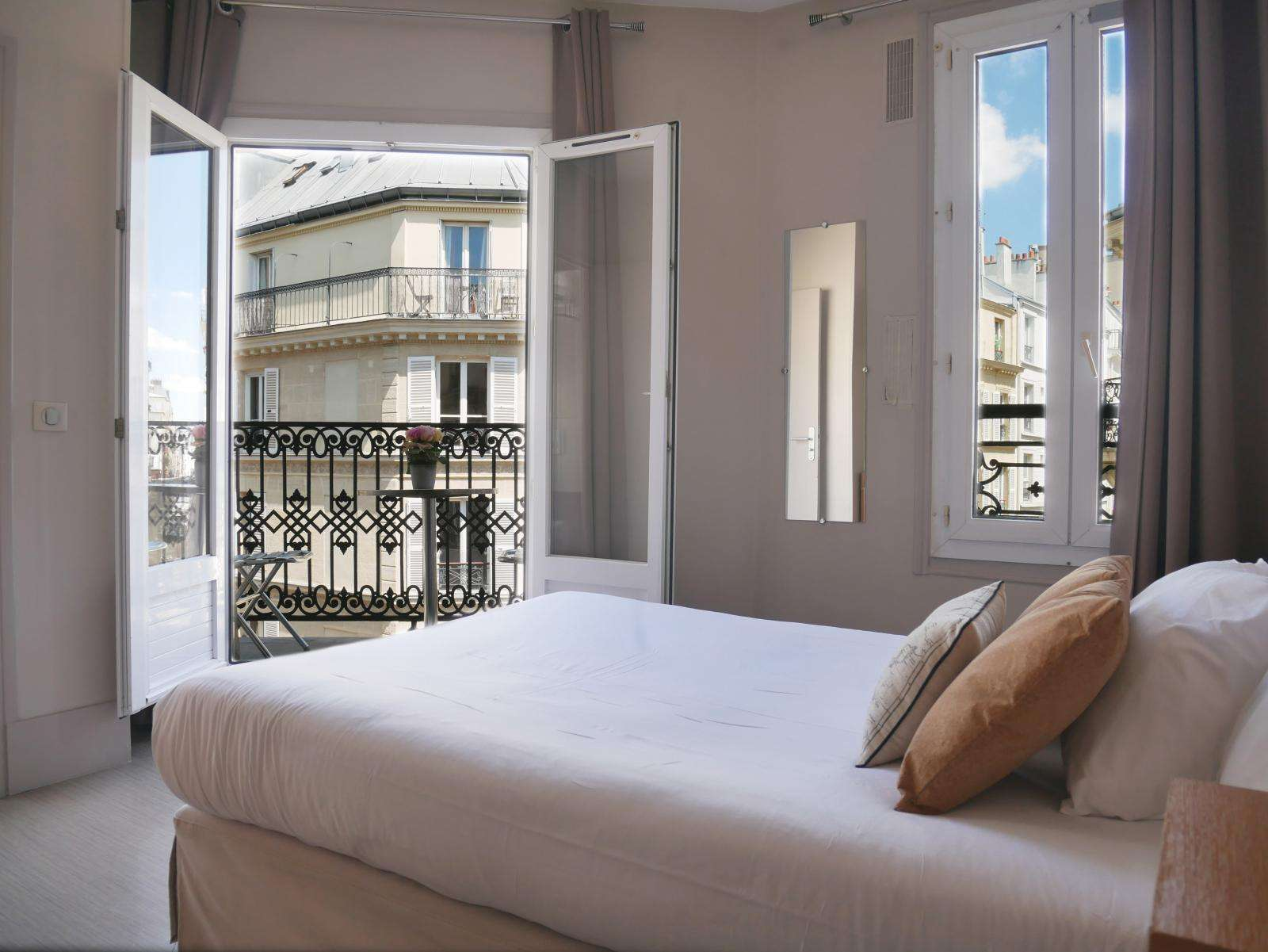 Hôtel Bonséjour | Site Officiel | Montmartre Paris