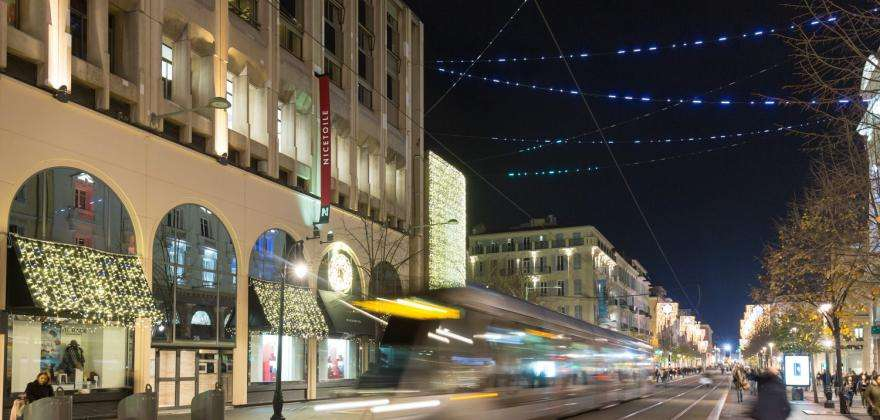 Your hotel for a weekend shopping in Nice