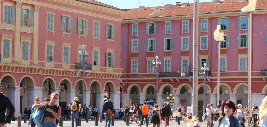 The 4 top squares in Nice near the Hotel Florence Nice