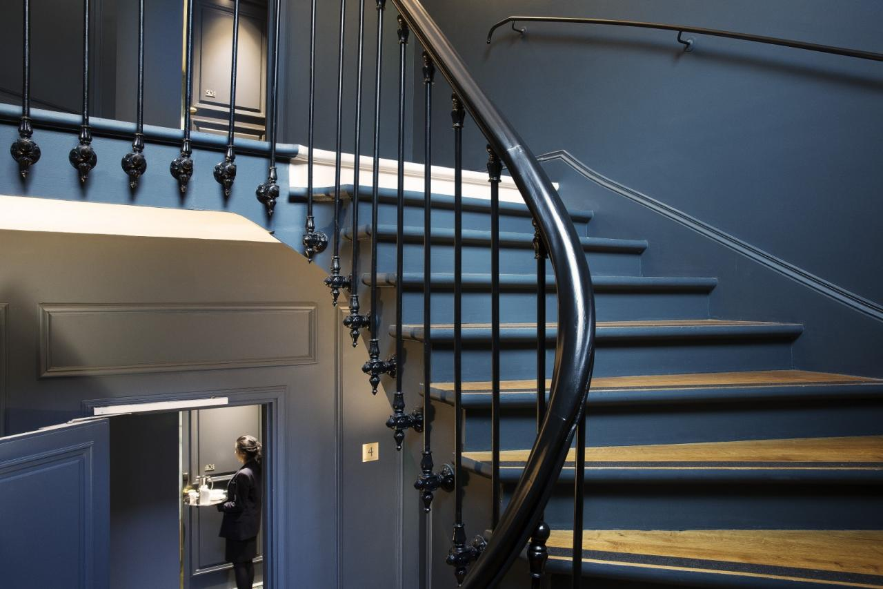 Hotel Le Marianne - stairs