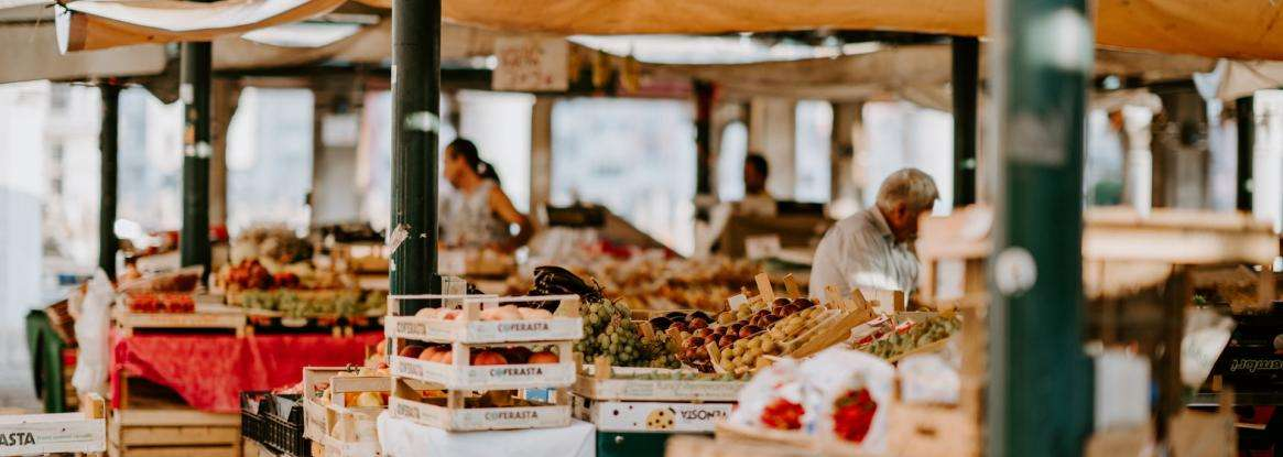 An essential stopover: the Jacobins Market in Le Mans