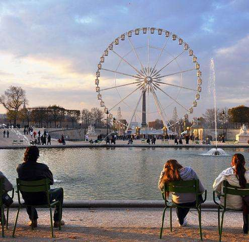 A summer visit to Paris courtesy of our Long Stay Offer