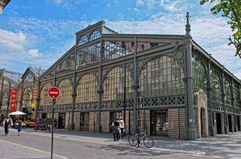 The Carreau du Temple; a multi-purpose space