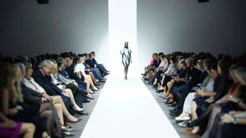 Good deals and fashion parades in Paris in January
